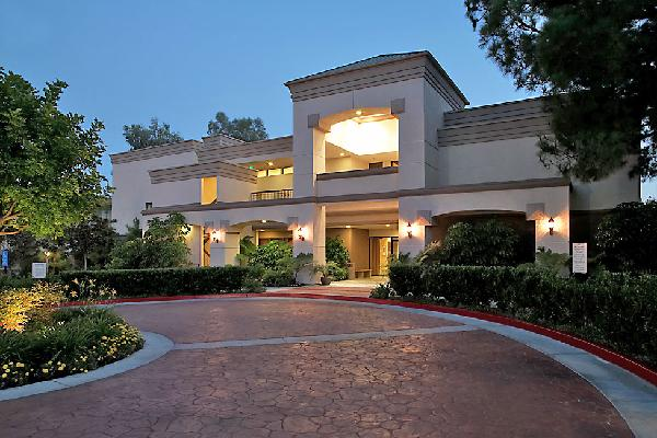 Hilton woodland hills hotel near los angeles autos post for Cat hotels los angeles
