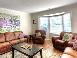 Womens Rehab Center Sober College Living Room