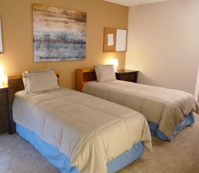mens rehab facility bedroom