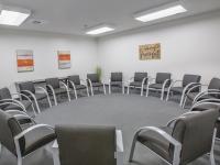 Sober College Drug Rehab Facilities Los Angeles Group Room